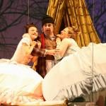 Clorinda: Ina Yoshikawa, Don Magnifico: Shavleg Armasi, Tisbe: Okka von der Damerau