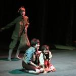 Barbara Senator (Sandmann), Julia Faylenbogen (Hänsel), Ina Yoshikawa (Gretel)